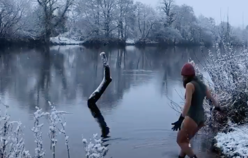 How cold-water swimming can help our mental health this Mental Health Awareness Week 2021